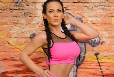 Pamela Rodríguez se prepara para que su imagen cruce la frontera