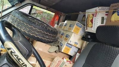 HOY / Detienen furgoneta llena de productos de contrabando