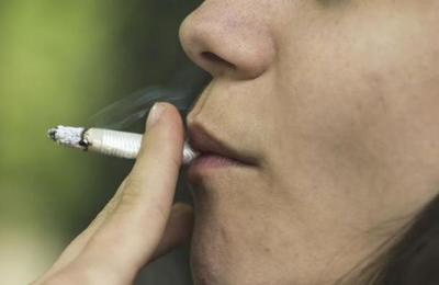 La OMS advierte que los fumadores tienen más riesgo de morir por Covid-19