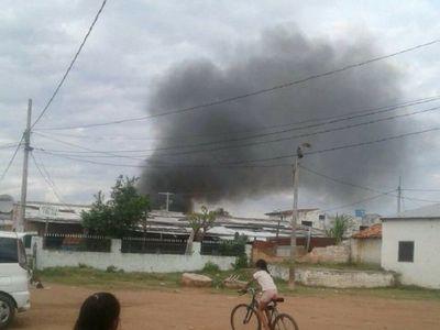 Joven provoca incendio de cinco viviendas en el Bañado Sur