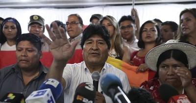 Fiscalía boliviana acusa de terrorismo a Evo Morales y vuelve a pedir su detención