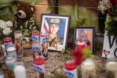 El asesinato de una soldado pone de relieve acoso sexual en bases militares de EE.UU.