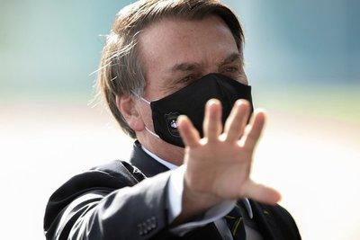 """Bolsonaro con síntomas de Covid, dice """"está todo bien"""", pero pide que no se le acerquen"""