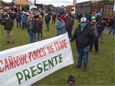 """Cañicultores desesperados: """"Hay azúcar de contrabando en todas las góndolas del país"""""""