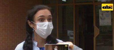 """""""Es un sistema difícil"""", dice médica que se fue de Paraguay tras término de misión"""