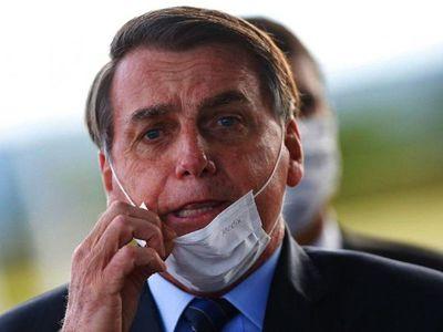 Bolsonaro da positivo al Covid-19 y se trata con cloroquina