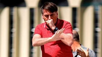 """Bolsonaro da positivo a la prueba del COVID-19: """"Comenzó el domingo"""""""