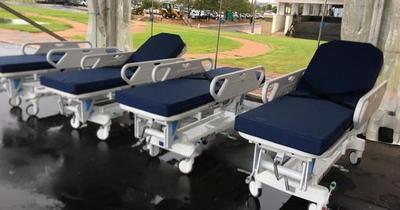 Salud recibió donación de 120 camas hospitalarias por parte de cooperativistas