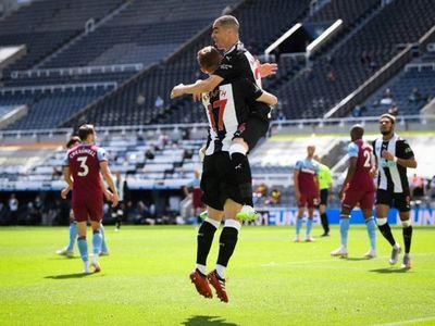Los goles de Almirón en el fútbol inglés