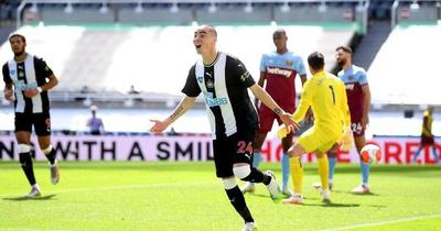 Homenajean con pegagosa canción a Miguel Almirón, máximo goleador del Newcastle