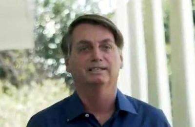 Bolsonaro se quita la mascarilla frente a la prensa luego de anunciar que tiene Covid-19