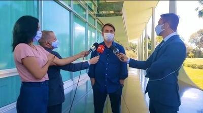 HOY / Anuncian demanda contra Bolsonaro por poner en riesgo a periodistas