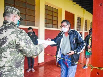 Connacionales abandonan albergue de Itapúa y vuelven a sus hogares