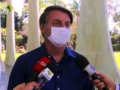 "De ""gripecita""  calificó Bolsonaroal coronavirus que ahora le infecta"