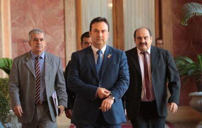 Presidente del IPS a cuarentena por precaución ante probable caso positivo de Covid-19