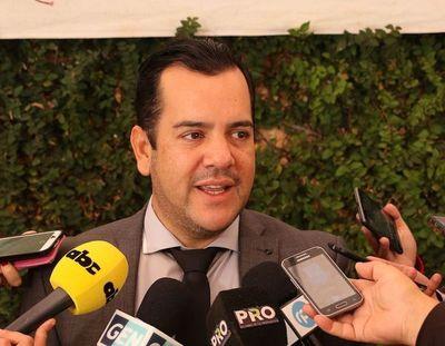 Titular del MAG acusa a banca privada de retacear créditos a empresas