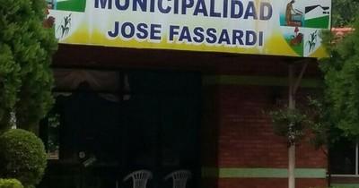 Presentan denuncia penal contra el intendente de Fassardi