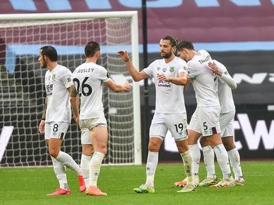 West Ham no logra hacer pie ante el Burnley