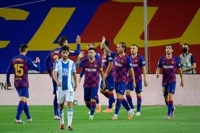 Suárez da vida al Barça y envía a Segunda al Espanyol