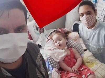Continúa campaña para que beba Agustina salga del hospital
