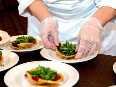 Proyectan reducción de tarifas para gastronomía, hotelería y entretenimiento