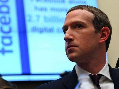 Facebook  no convence y  sigue perdiendo anunciantes