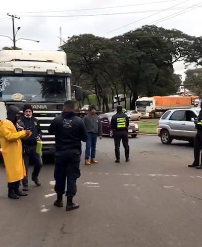 Patrulla Caminera no permite a PMT ordenar el tránsito en CDE