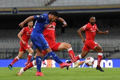 Con golazo de Juan Escobar, Cruz Azul clasifica a semifinales de Copa
