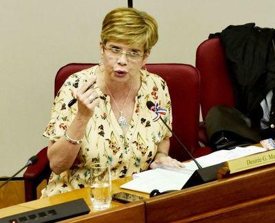 COVID-19: Senadora Masi cuestiona falta de apertura del Ministerio de Salud y que centros hacen polladas para equiparse