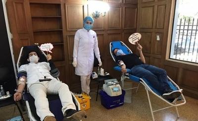 HOY / Llaman a recuperados de COVID-19 a donación voluntaria para tratamiento del virus