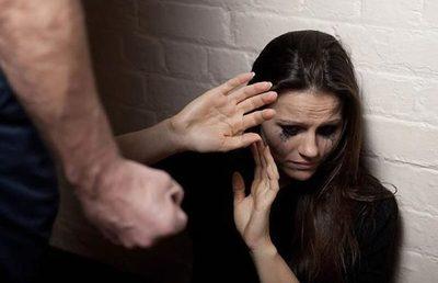 Aumentan agresiones a mujeres: advierten sobre señales peligrosas