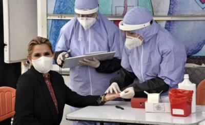 HOY / Jeanine Áñez da positivo a las pruebas de coronavirus en Bolivia