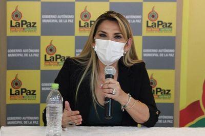 Récord de contagios en Bolivia, su presidenta da positivo