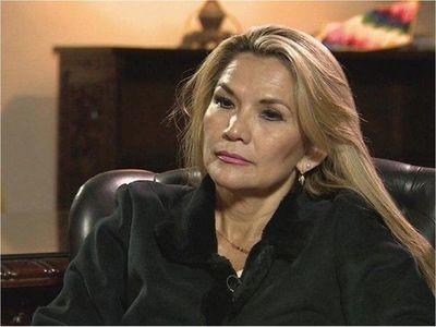 La presidenta interina de Bolivia, diagnosticada con Covid-19