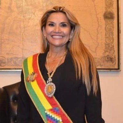 Presidenta de Bolivia dio positivo al COVID19