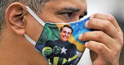 Facebook suprime cuentas de aliados de Bolsonaro