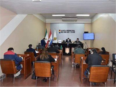 Concejales de Encarnación rechazan gestión del intendente Luis Yd