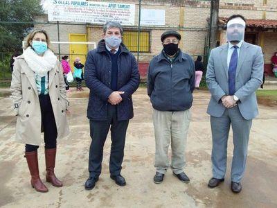 Diplomáticos donaron alimentos a comedor del Bañado Sur