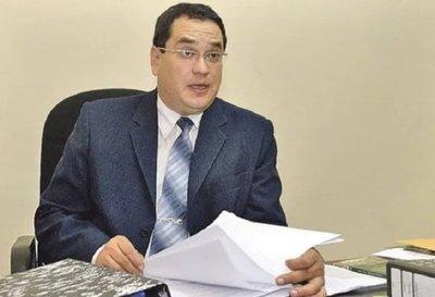 Condenan por corrupción a exministro de la Niñez