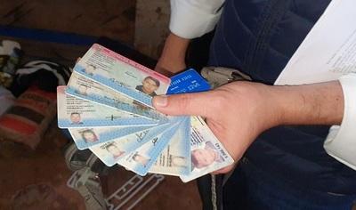 Detienen a traficante que recibía cédulas de identidad como garantía de pago