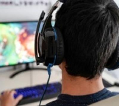Sufrió ACV por su adicción a los videojuegos