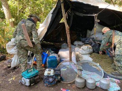 Destruyen complejo narco con 10 campamentos para cultivos de marihuana en Amambay