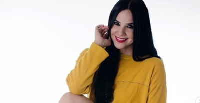 """Se """"empapela"""" Asunción con la foto de Norita Rodríguez"""