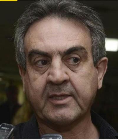 """Denuncian a político de amenazar a policía con recurrir a un """"amigo exviceministro"""" para evitar intervención en casino"""