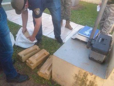 Incautan 20kg de marihuana en un colectivo que venía de Capitán Bado