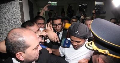 Tribunal rechaza nuevo pedido de liberación de Ronaldinho