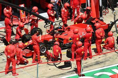 El doble abandono de Ferrari en la primera vuelta