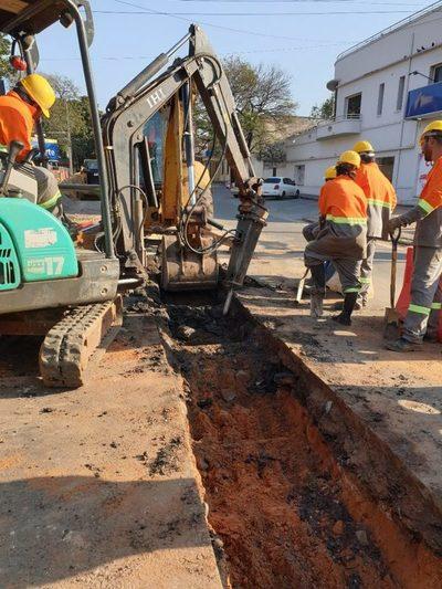 Nuevos frentes de obras para la red cloacal en Asunción serán abiertos esta semana