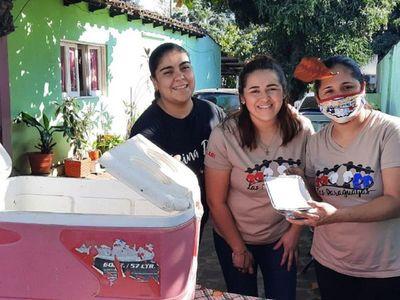 Mientras esperan volver al escenario, Las Paraguayas venden chipa guazú