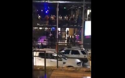 Fiestas en bares genera indignación de internautas